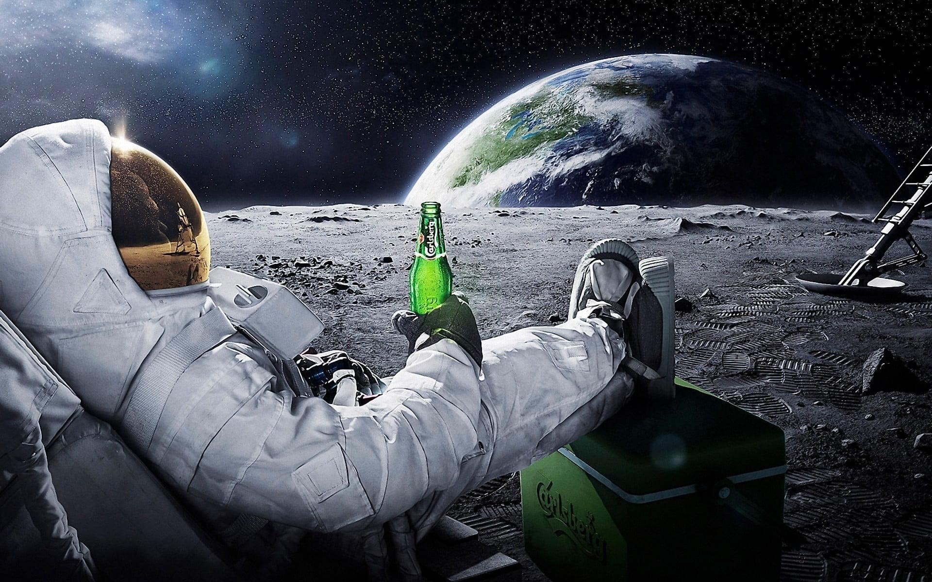hình nền phi hành gia trên mặt trăng