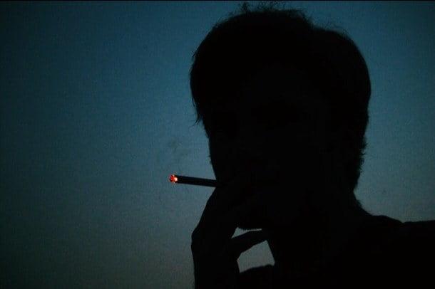 Ảnh hút thuốc buồn