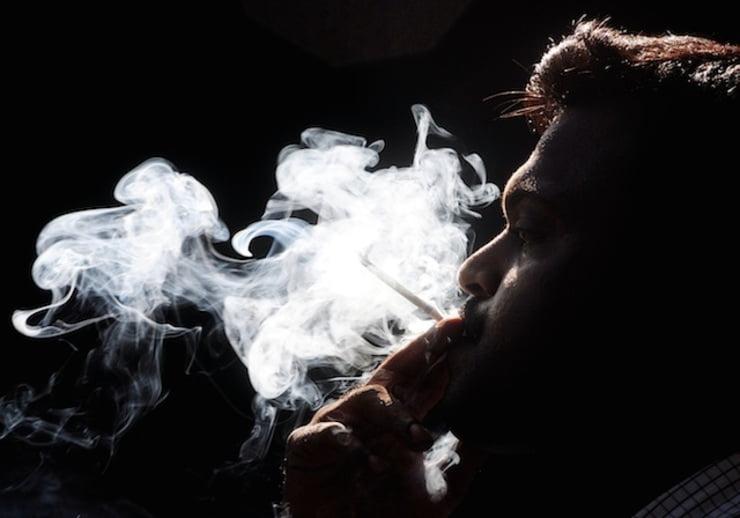 Ảnh hút thuốc phiêu lãng