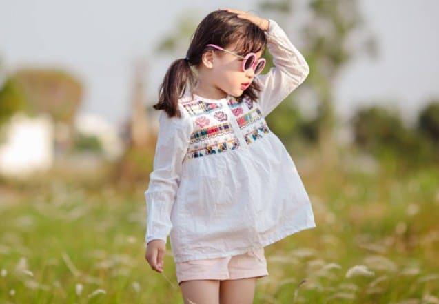 Bé gái cute dễ thương