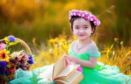 Bộ hình bé gái đáng yêu
