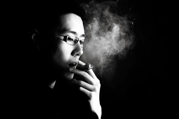 Hình ảnh hút thuốc