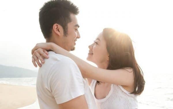 Hình ảnh vợ chồng hạnh phúc