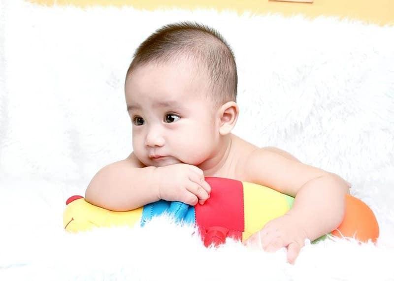 Hình em bé đáng yêu cute nhất VN