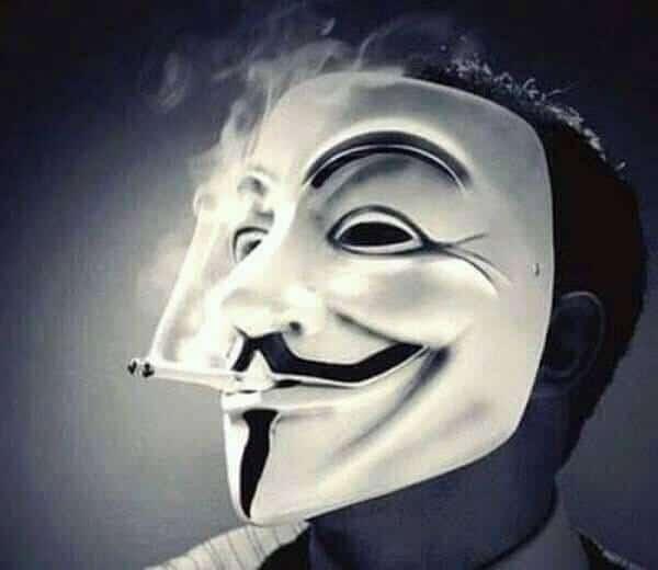 Hình hacker hút thuốc ngầu