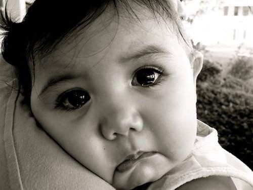 Tải ảnh em bé khóc dễ thương