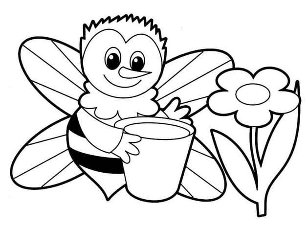 Bé tô một chú ong đi lấy mật