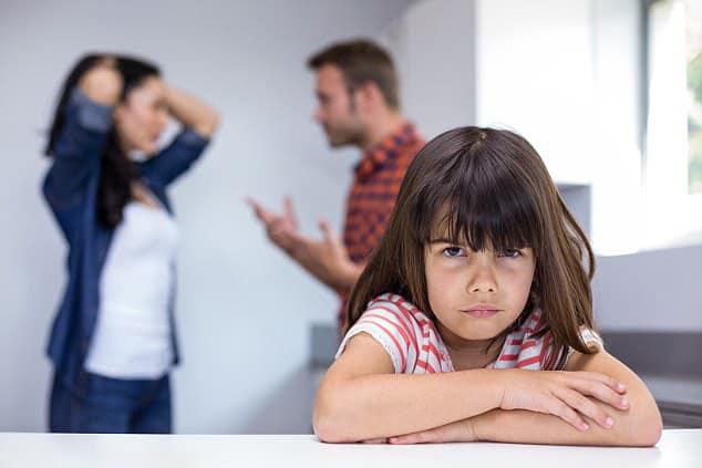Hình gia đình cãi vã