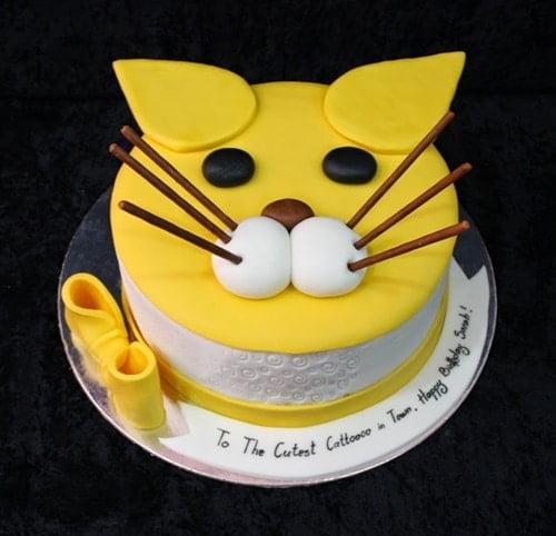 Ảnh bánh kem tạo hình chú mèo