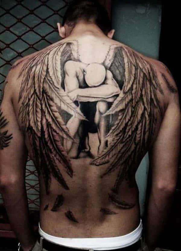 Ảnh xăm thiên thần ở lưng đầy tính nghệ thuật