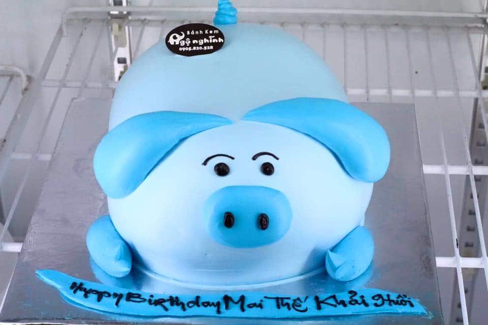 Bánh kem cho bé trai hình chú lợn xanh hài hước