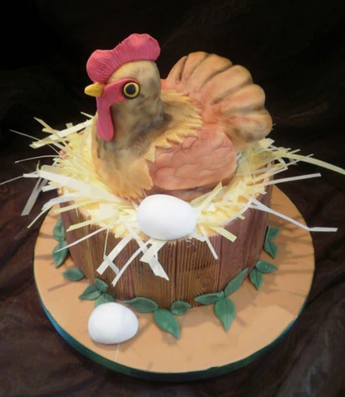 Bánh sinh nhật con gà mái
