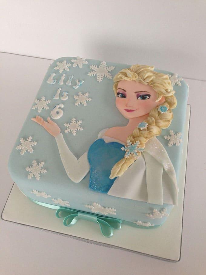 Bánh sinh nhật vuông tạo hình công chúa elsa
