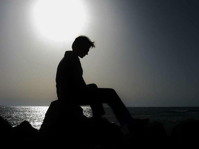 Bức ảnh đẹp và buồn của người con trai