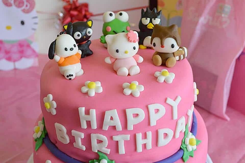 Chiếc bánh đáng yêu mừng ngày sinh nhật của con gái bé nhỏ