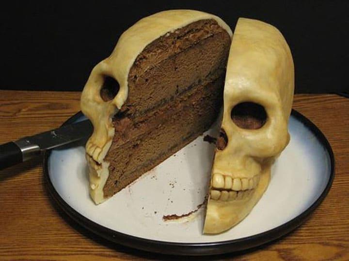Chiếc bánh sinh nhật có một không hai hài hước và bá đạo