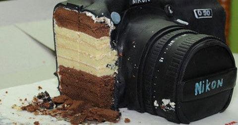 Chiếc bánh sinh nhật hình máy ảnh