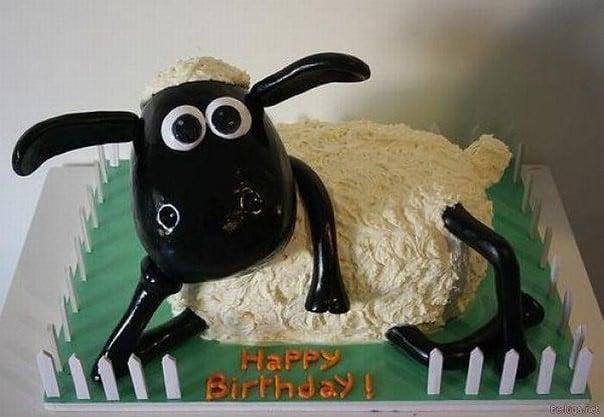 Cười nghiêng ngả với hình chú cừu chúc mừng sinh nhật hài hước