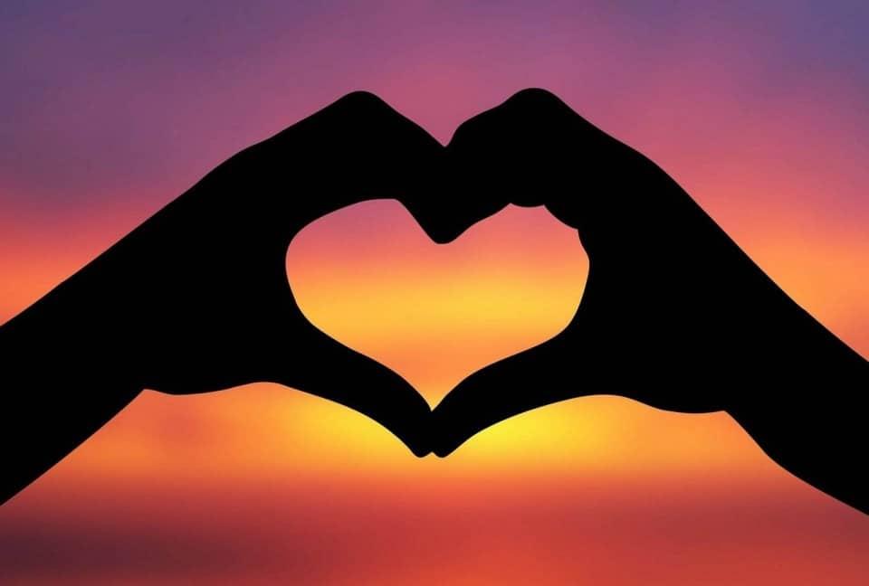 Hình ảnh trái tim tình yêu