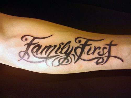 Hình tattoo Family First