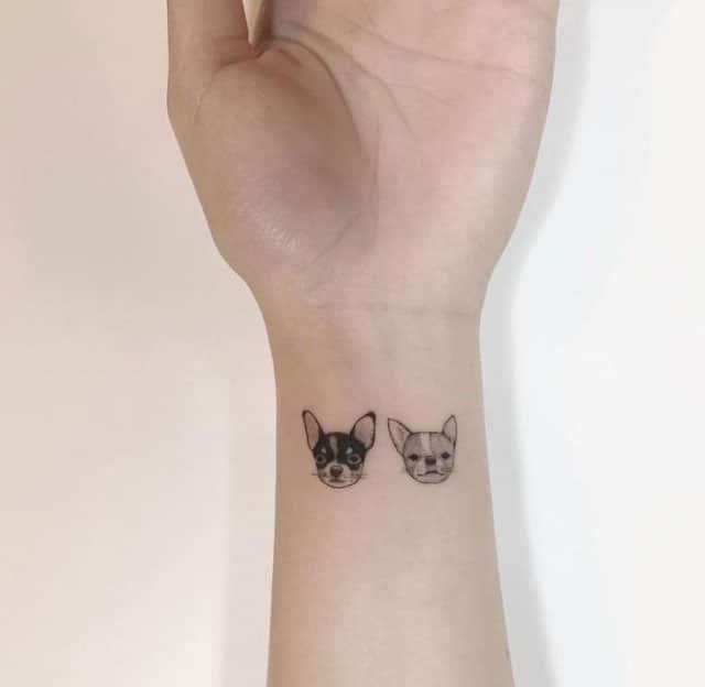 Hình xăm chó mèo ở cổ tay đáng yêu