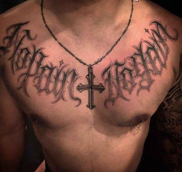 Hình xăm chữ đẹp ở ngực cho con trai