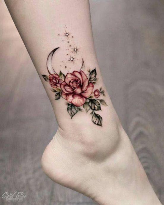 Hình xăm hoa hồng ở chân