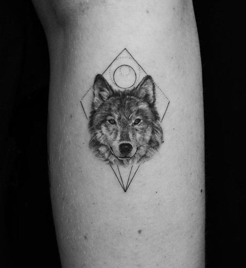 Hình xăm tam giác sói đem đến nhiều ý nghĩa đặc biệt