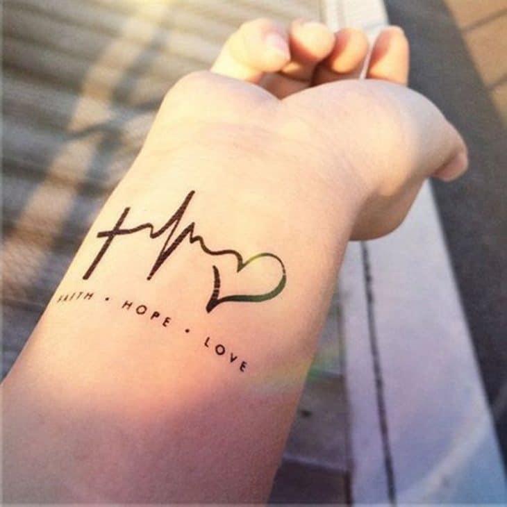 Hình xăm với ý nghĩa về niềm tin hy vọng và tình yêu