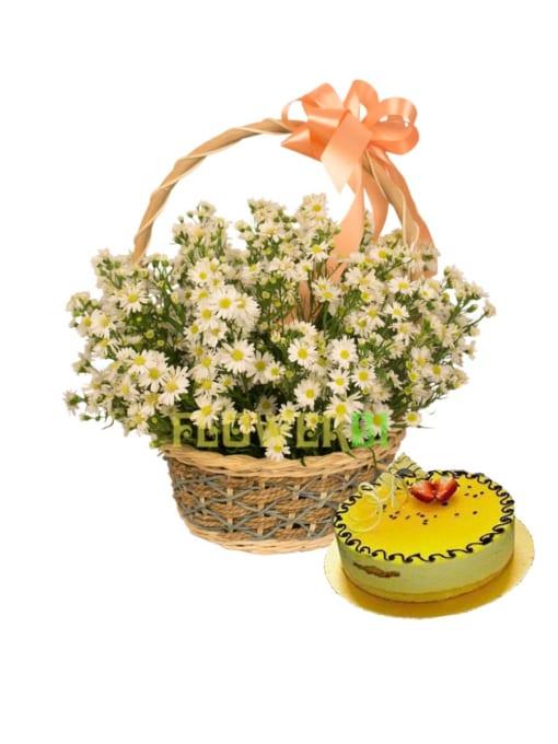 Hoa và giỏ bánh sinh nhật dễ thương