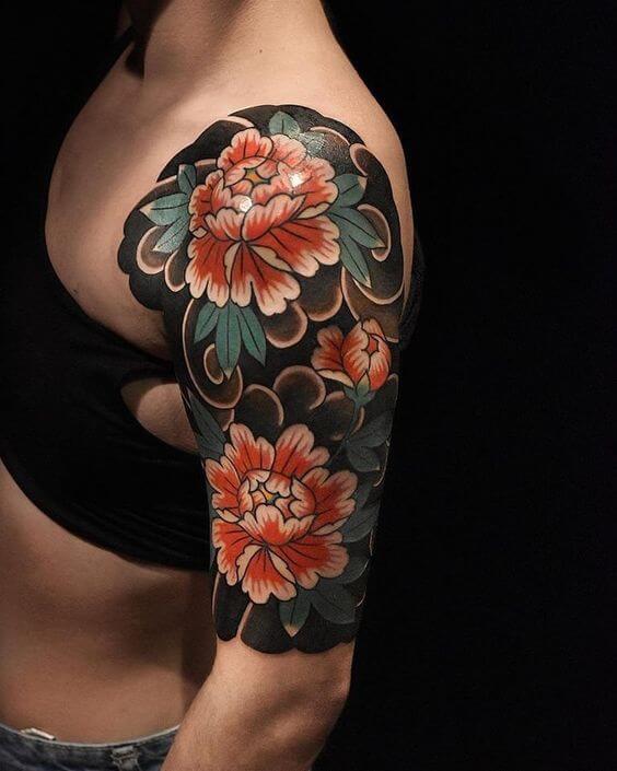Kiểu xăm hoa bít cánh tay quyến rũ