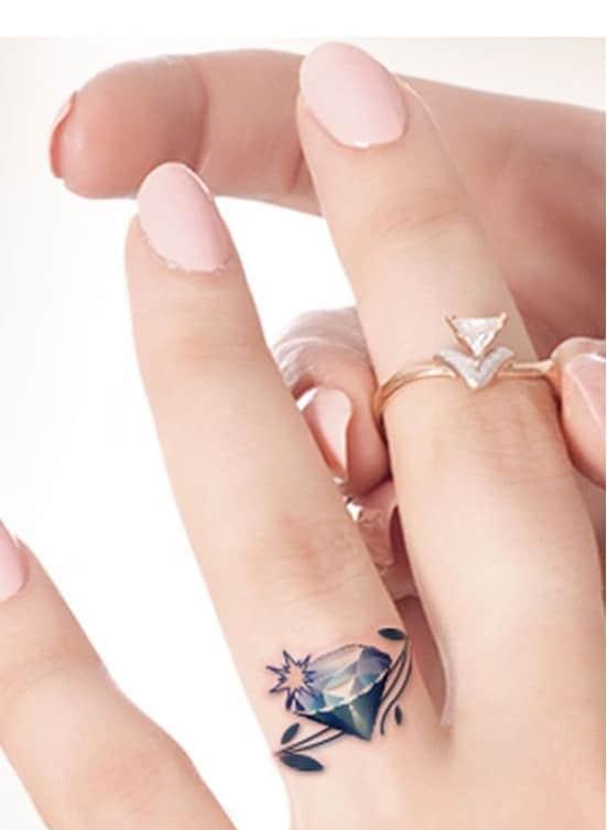 Kiểu xăm nhẫn kim cương lạ và thu hút dành cho phái đẹp