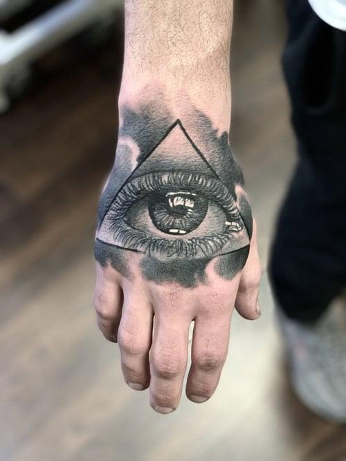 Mẫu tattoo con mắt tam giác chân thực và sắc nét nhất