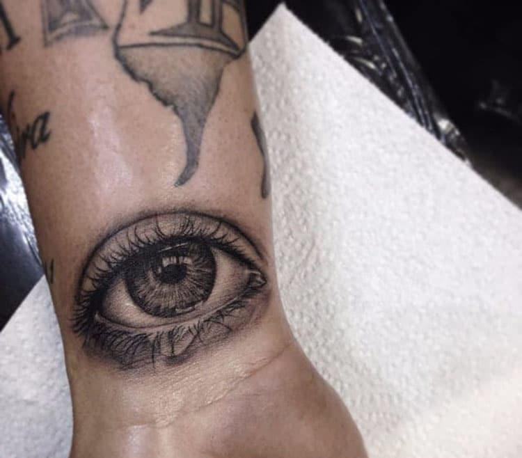 Mẫu tattoo mắt xăm ở cổ tay