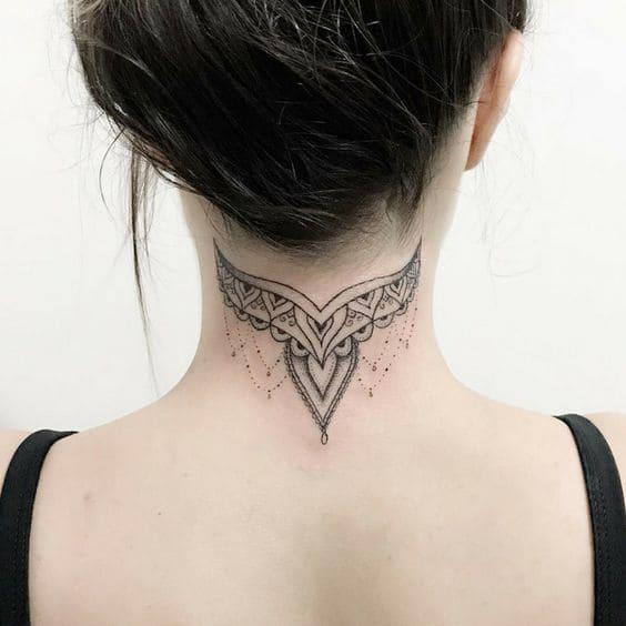Mẫu tattoo sau gáy cực chất cho nữ