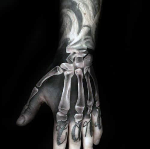 Mẫu xăm bàn tay xương