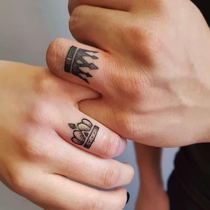 Mẫu xăm nhẫn ngón tay độc đáo dành cho các couple