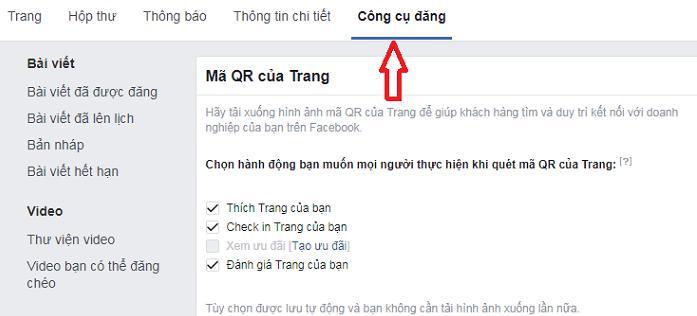 Mở facebook sau đó chọn Công cụ đăng
