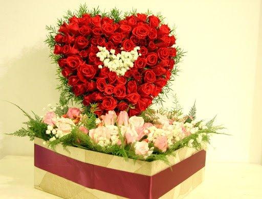 Món quà trái tim kết bằng hoa hồng đẹp mắt