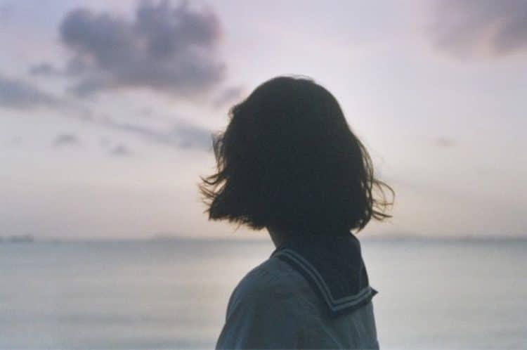 Một mình cô đơn không biết sẻ chia nỗi buồn cùng ai