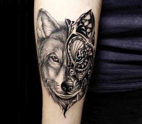 Tattoo chó sói đẹp ở chân