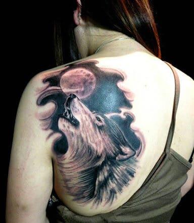 Tattoo chó sói hú mặt trăng cực chất
