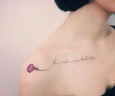Tattoo chữ đẹp cho nữ ở vai