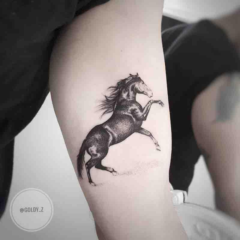 Tattoo ngựa độc đáo ở bắp tay