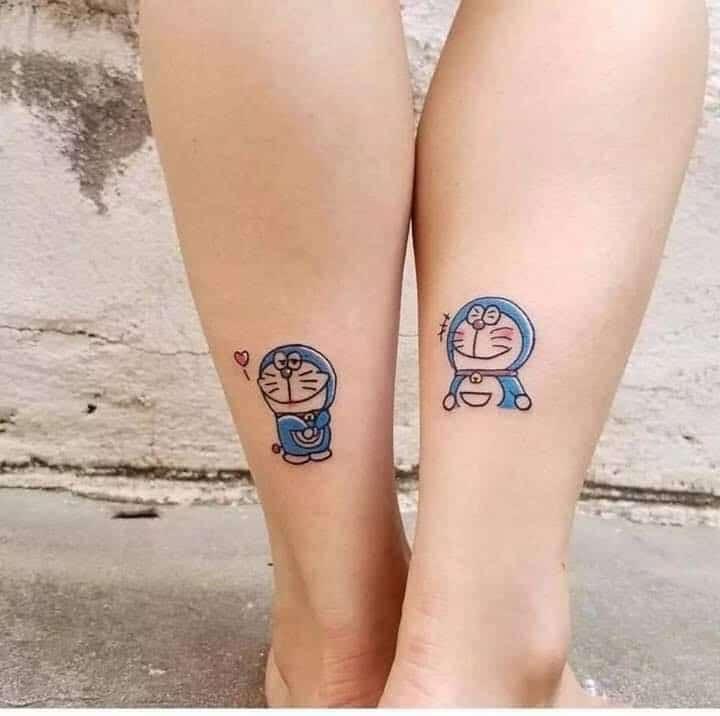 Xăm Doraemon cặp ở chân cute