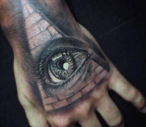 Xăm con mắt trông rất có hồn