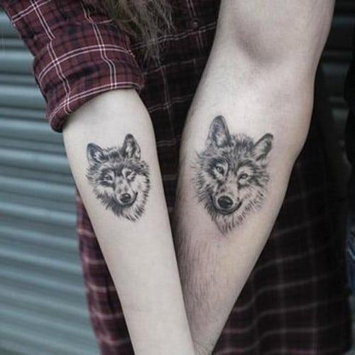 Xăm đầu sói 3d ở cánh tay