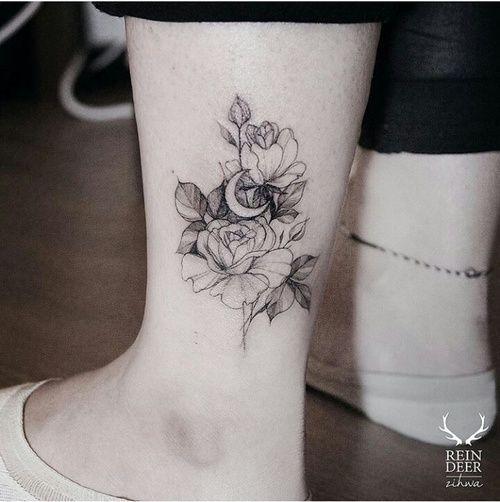 Xăm hoa hồng ở chân
