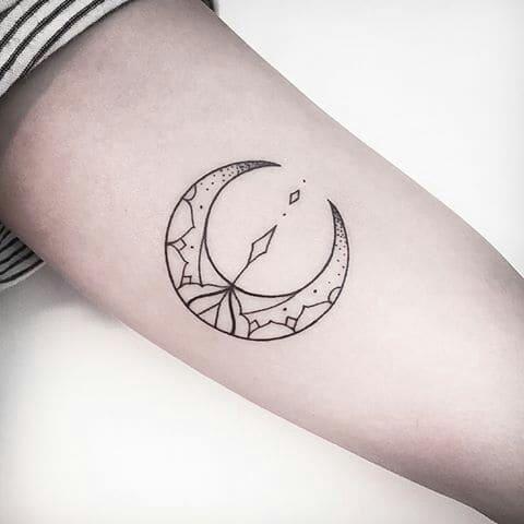 ảnh tattoo mặt trăng khuyết độc lạ