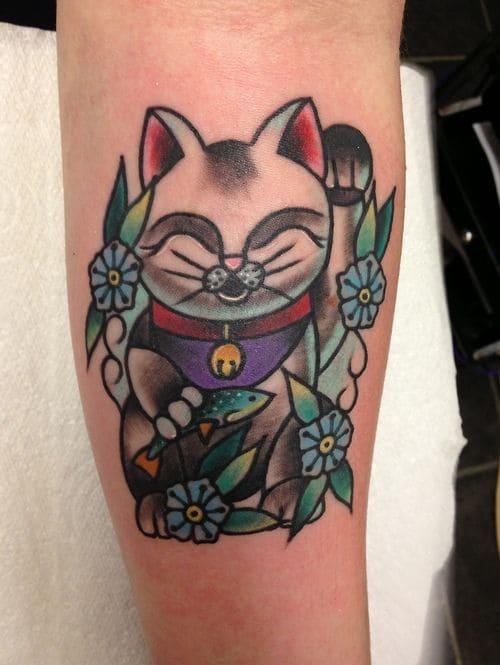 ảnh tattoo mèo thần tài ở tay đẹp